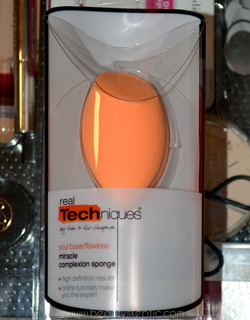 Real Techniques Sponge - Packaging Front
